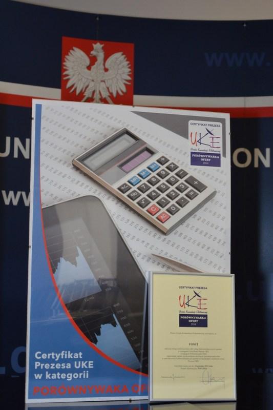 Certyfikat Prezesa UKE w kategorii Porównywarka Ofert dla Cyfroweg Doradcy. Zdjęcie: Piotr Jaszczuk.